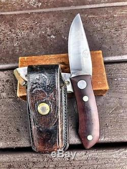 Colt hunting knife U1050, wood handle, with original box, and holder